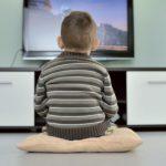 Limiter la télévision chez les jeunes enfants